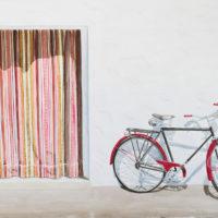 Bicicleta y cortina 100x 70 cm acuarela sobre papael 2200